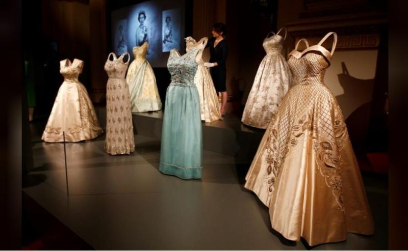 elizabeth elbiseleri Reuters (3).JPG