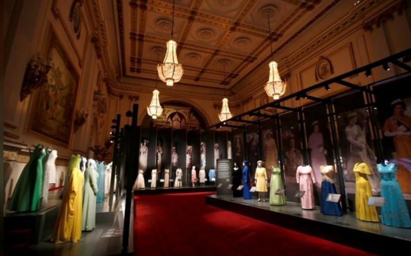 elizabeth elbiseleri Reuters (5).JPG