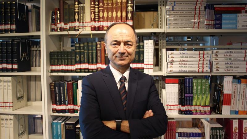 Doç Dr. Fahri Erenel Twitter @ErenelFahri.jpg