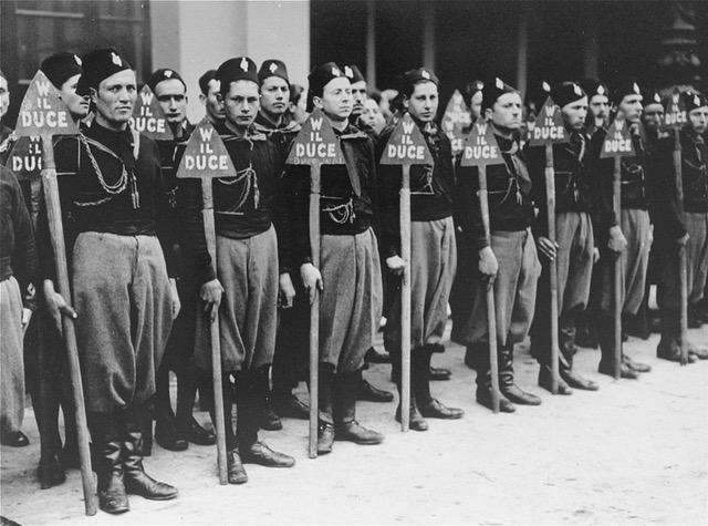 USHMM, 1934 yılında İtalyan Kara Gömlekliler.jpeg
