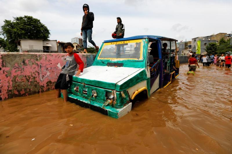 endonezya yağmur.jpg
