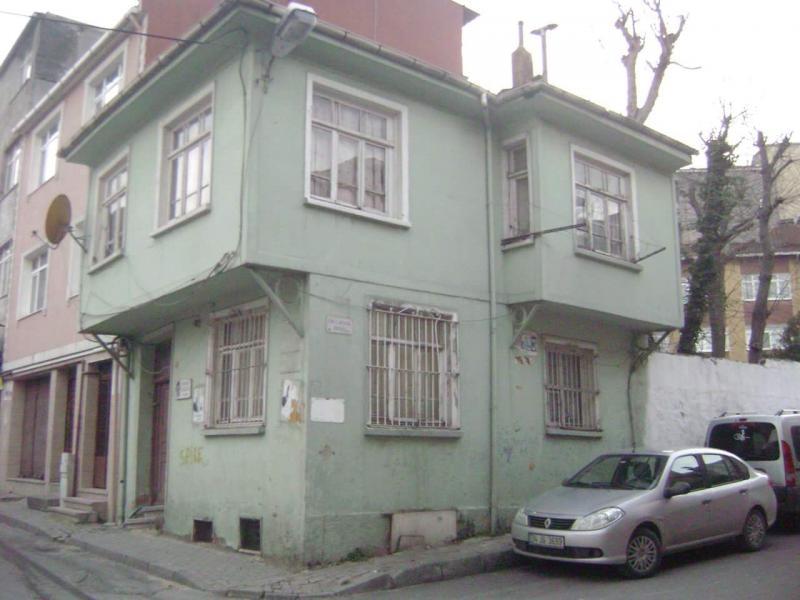 Orhan Kemal'in bir süre yaşadığı ev