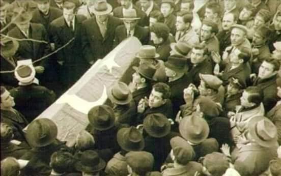 Kazım Karabekir Paşa'nın cenazesi.jpg