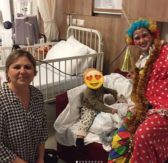 Onkoloji Anneleri çocuk sürpriz.jpg
