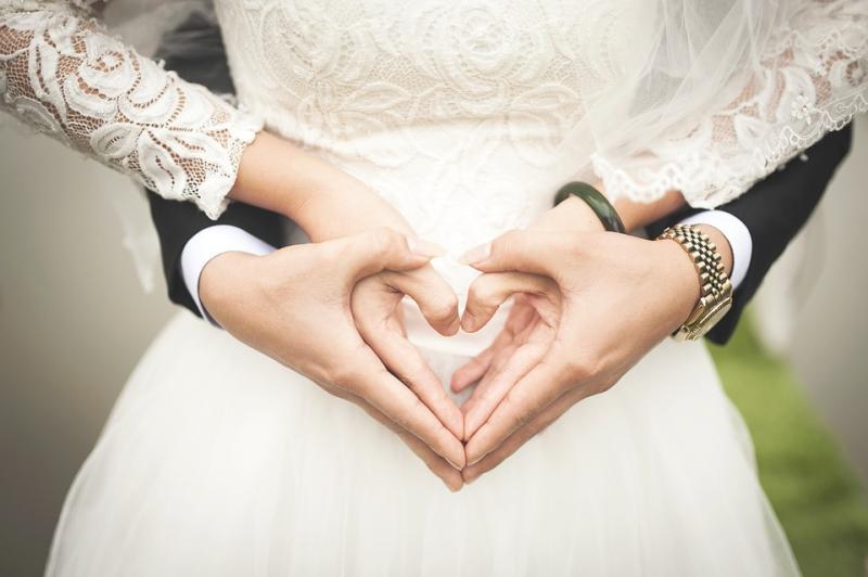 Evlilik düğün çift sevgili Pixabay.jpg