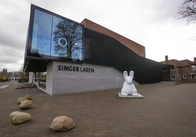 Singer Laren 2.jpeg