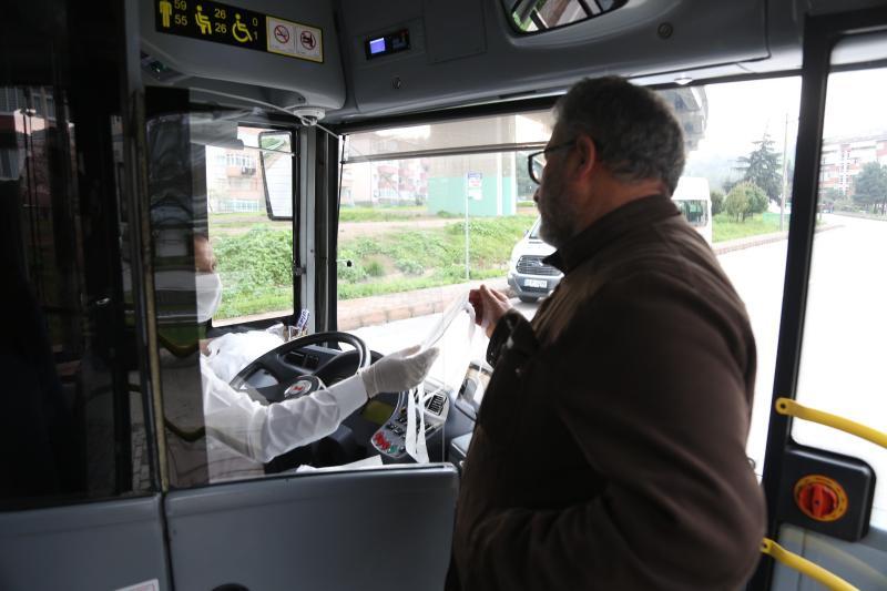 Kocaeli Büyükşehir Belediyesi 25 bin maske dağıttı