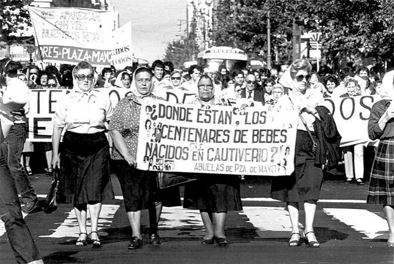 plaza del mayo anneleri.jpg