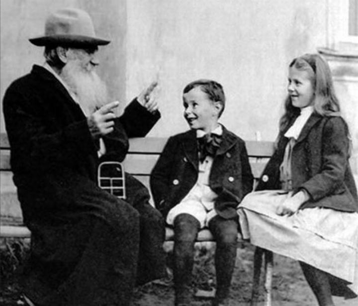 Tolstoy (2).jpg