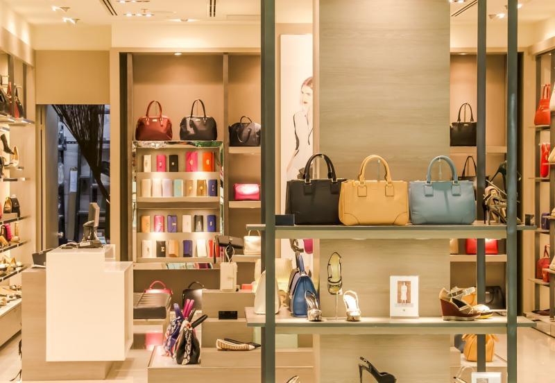 mağaza giyim çanta ayakkabı alışveriş Pixabay.jpg