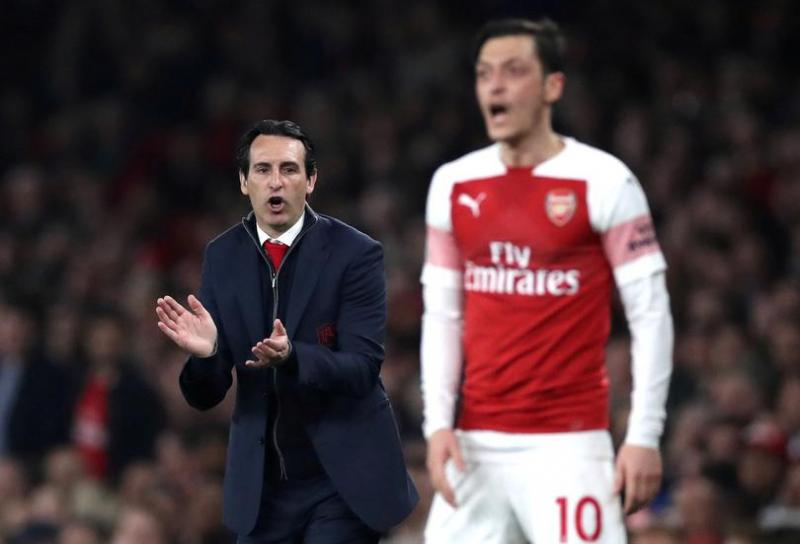 Emery-Özil-Reuters1.jpg