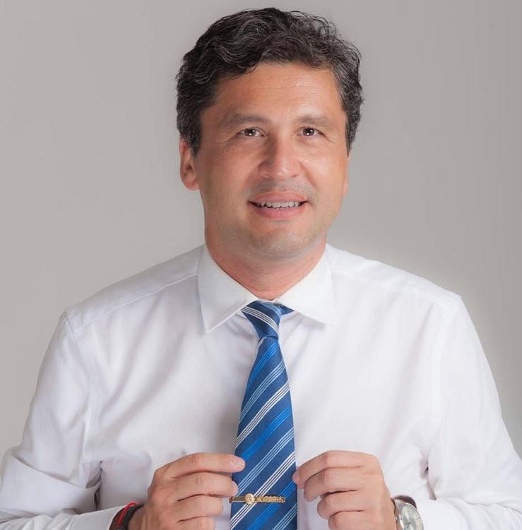 Doç. Dr. Ali Faik Demir -Atatürk rozetli- Independent Türkçe.jpg