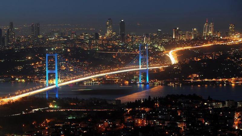 İstanbul'da gece AA.jpg