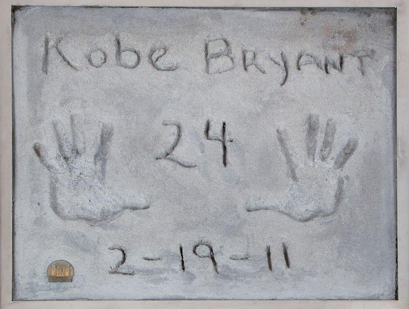 Kobe Bryant el izi -Reuters.jpg