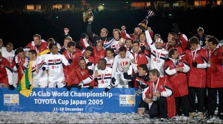 2005 Fifa Kulüpler Dünya Kupası şampiyonu Sao Paulo - Twitter.jpg