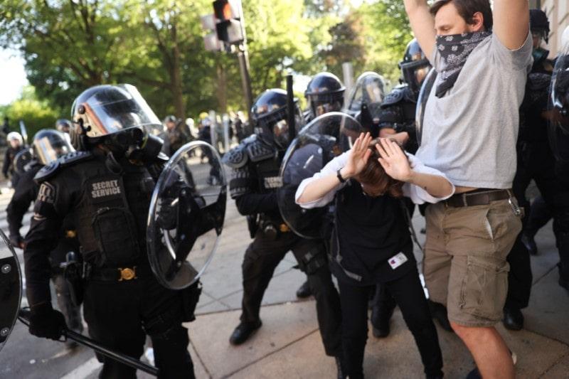 2020-06-01T225922Z_1_LYNXMPEG50373-OCATP_RTROPTP_3_CNEWS-US-MINNEAPOLIS-POLICE-PROTESTS-min.JPG
