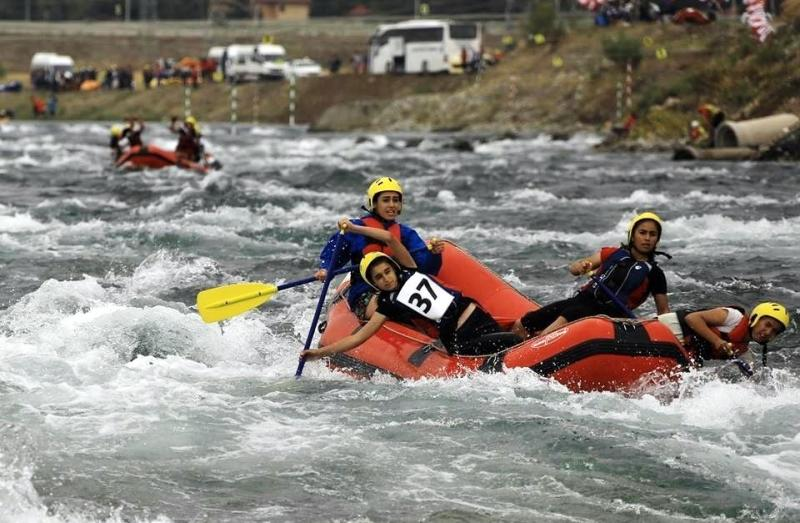Hakkari'de rafting sporu gelişiyor (5).jpg