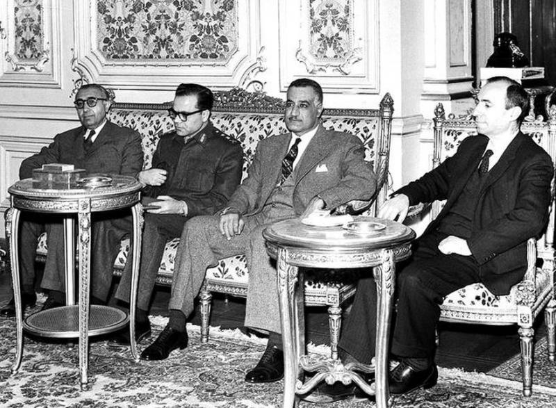 Salahaddin Bitar, Suriye Cumhurbaşkanı Lu'ay Attasi, Nasır, Mişel Eflak 1963.jpg