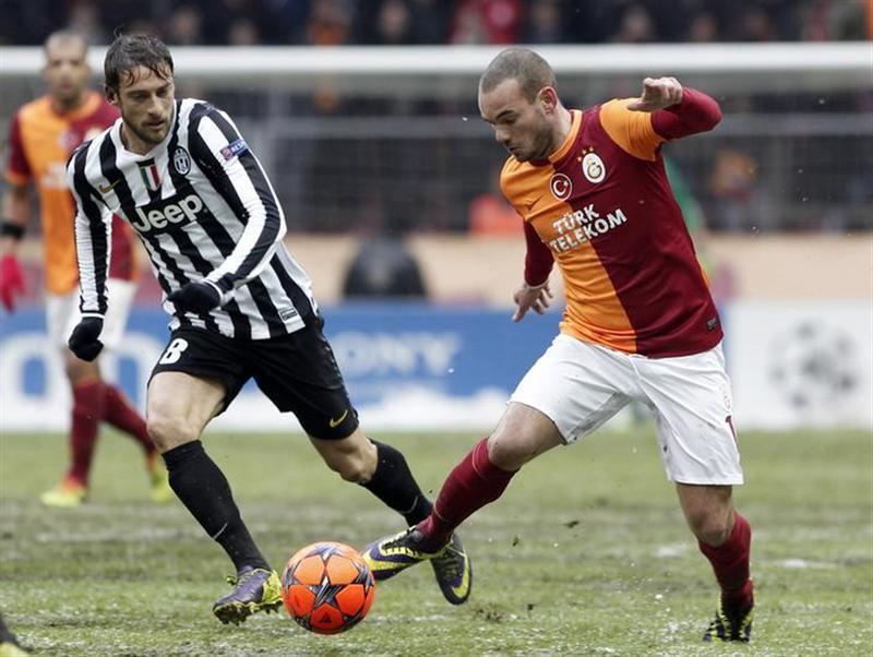 Wesley Sneijder - Reuters4.jpg