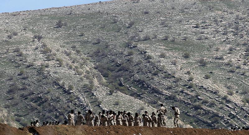Başika Dağı'nda Kakeyi savaşçılar-Reuters.jpg