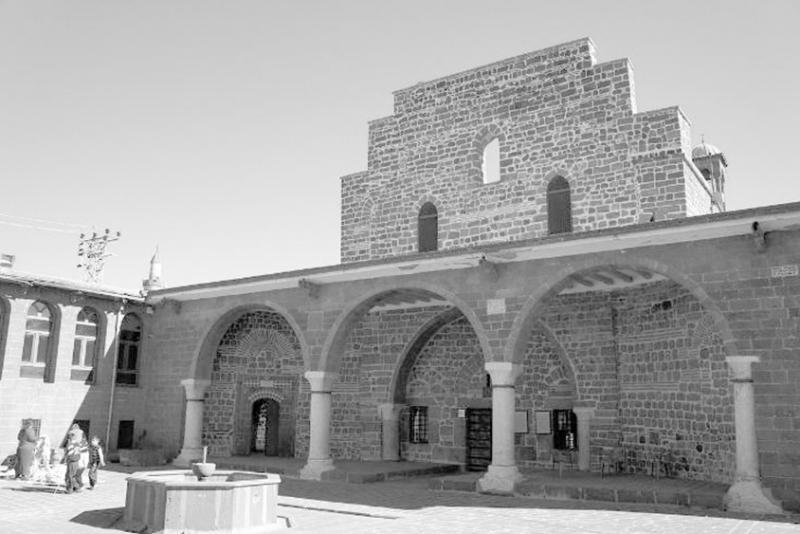 Diyarbakır Süryani Meryem Ana Kilisesi.jpg