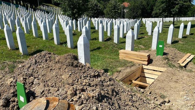 Srebrenitsa AA (2).jpg