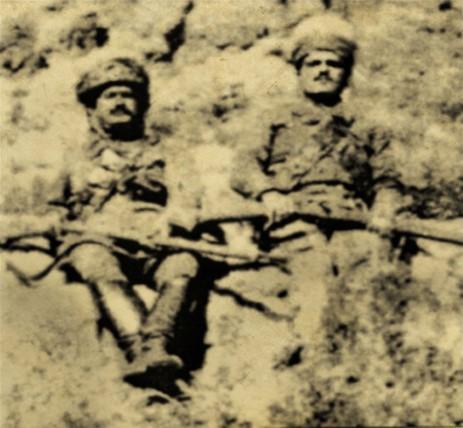 Ağrı İsyanı önderlerinden Broyê Heskê Têli ile Zilan Bey kod isimli Ardaşes Muradyan-Rohat Alakom.jpg