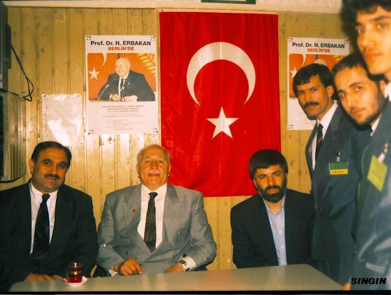 Osman Yumakoğulları, Prof. Dr. Necmettin Erbakan, Haldun Algan ( Berlin ) Menderes Singin.jpg