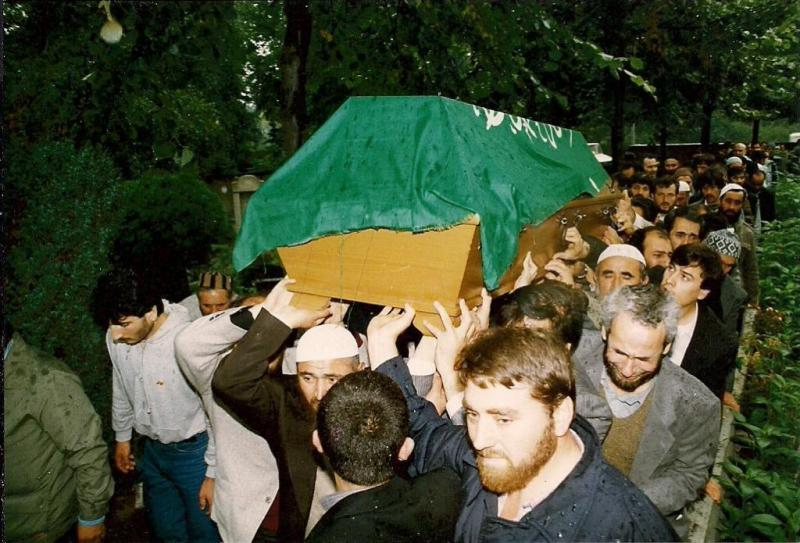 Dr. Zeynel Abidin'in cenazesinden bir fotoğraf karesi ( Berlin ) Kaynak Menderes Singin.jpg