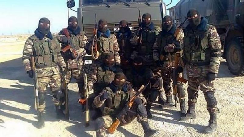 Wagner savaşçıları Hafter askerleriyle birlikte-kaynak East2west News.jpg
