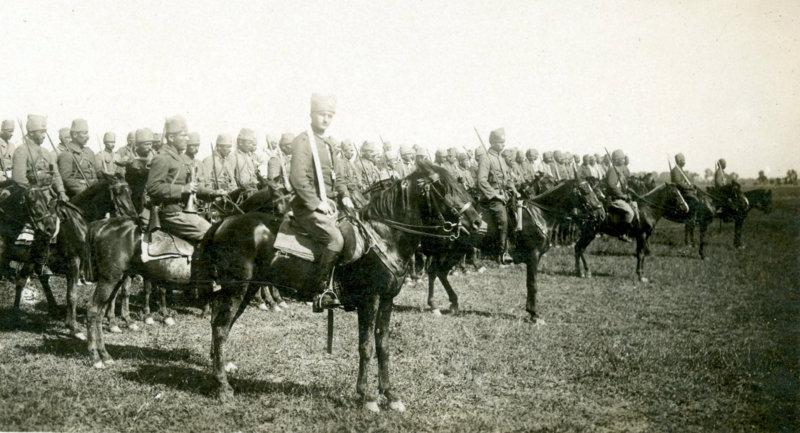 Kurtuluş Savaşı Muzaffer Türk Süvarisi.jpg