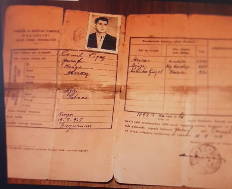 Hüseyin Paşa'nın çatışmada öldürülen Usiv Beg'in eşi, oğlu, kızı ve gelini için sürgün yerleri Konya çıkartılan kimlik-Feridun Süphandağ arşivi.jpg