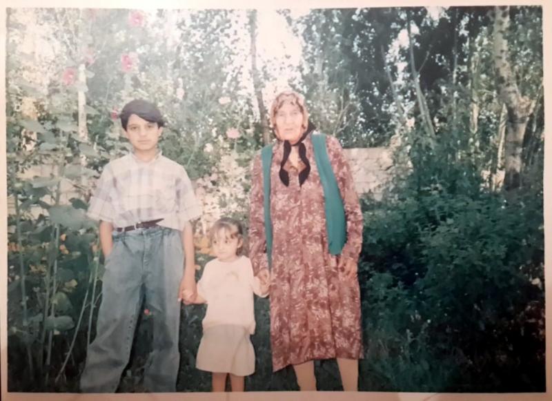 Nadir Bey'in eşi Zarife Hatun (3).jpg