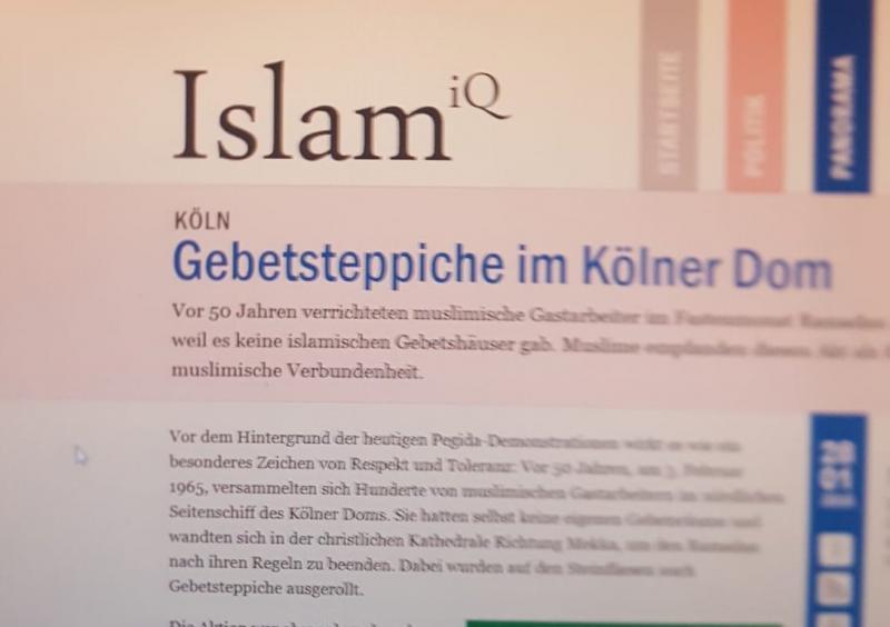 Kilisede namaz kılmanın Almanca haberi.jpg