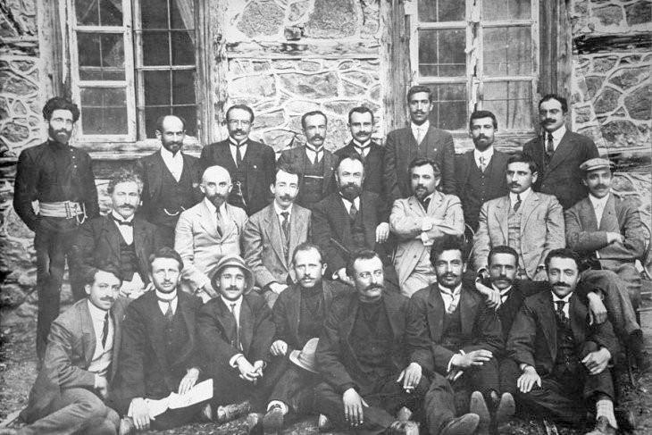 Ermeni Devrimci Federasyonu üyeleri.jpg