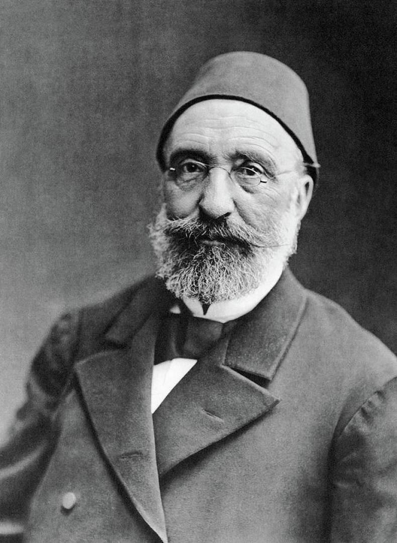 Mithat Paşa Wikipedia.jpg