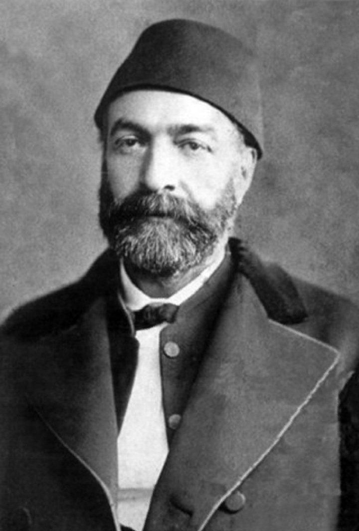 Ziya Paşa Wikipedia.jpg