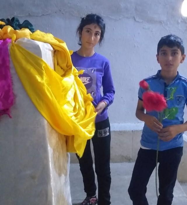 Emir ve Emira Khudeda Hussein kardeşler