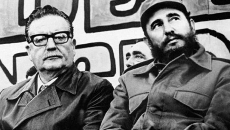 Salvador Allende ile Fidel Castro EFE.jpg