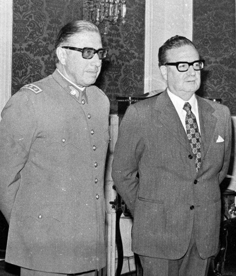 Allende -Augusto Pinochet.jpg