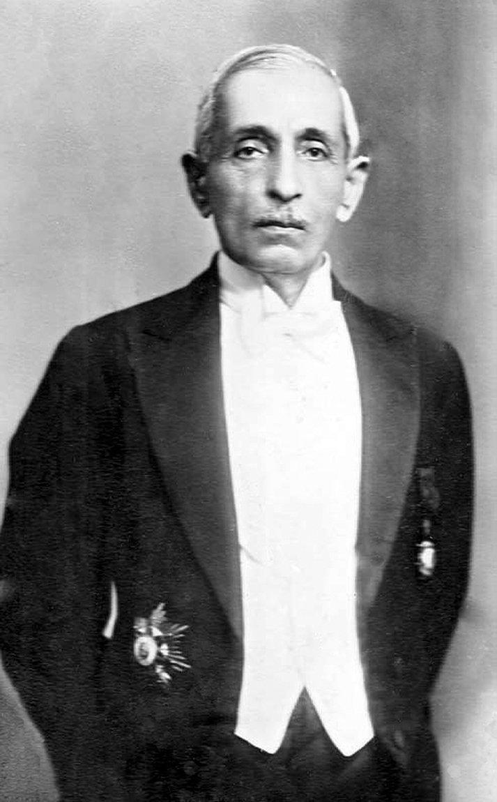 Devlet Adamı Mehmed Emin Zeki Beg-4.jpg