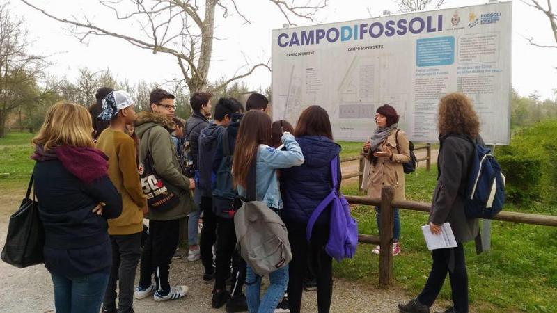 İtalya'daki meşhur Fossoli Toplama Kampı.jpg