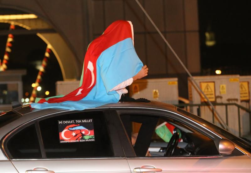 Azerbaycan'a destek konvoyu