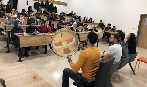 Kürt Dili ve Edebiyatı Bölümü öğrencileri