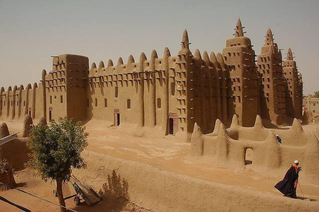 Büyük Cenne Camisi (Mali).jpg