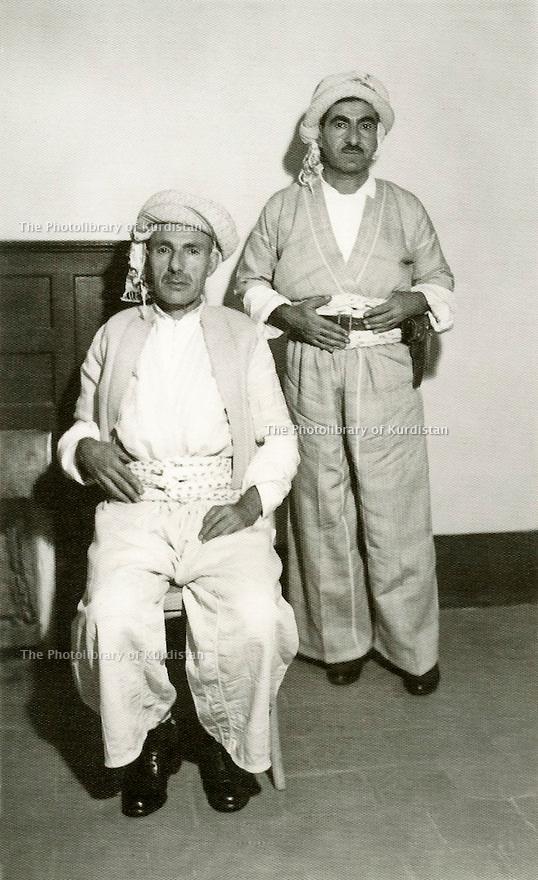 Şeyh Ahmed Barzani ve kardeşi Molla Mustafa.jpg