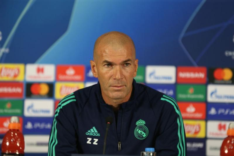 Zinedine Zidane4 - AA.jpg