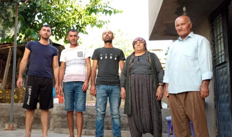 Ahmet Can ve ailesi