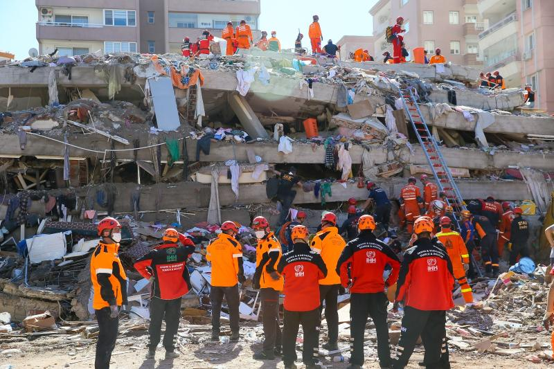 rıza bey apartmanı deprem aa