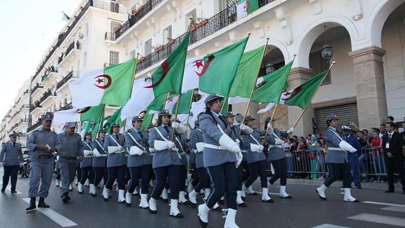 Cezayir Bağımsızlık Günü anmasında resmi geçit töreni-kaynak-Anadolu Ajansı.jpg